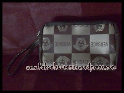 Dompet HP >> Rp. 7500
