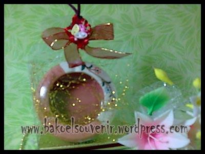 souvenir keramik-asbak bulat AB-1 packing mika >> Rp. 7500,-