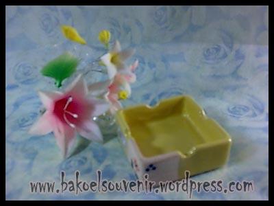 souvenir keramik-asbak kotak AB-2 >> Rp.7500,-