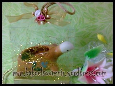 souvenir keramik-asbak kura AB-4 packing mika  >> Rp.7500,-