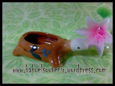 souvenir keramik-asbak kura AB-4 >> Rp. 7500,-