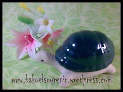 souvenir keramik-asbak kura tutup AB-6 >> Rp.9750,-