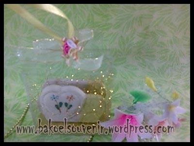 souvenir keramik-tempat kartu nama TKN-1 packing mika >> Rp.6000,-