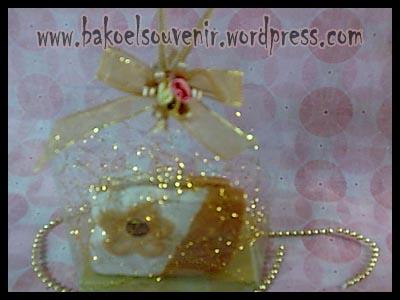 souvenir keramik-tempat kartu nama TKN-10 packing mika >> Rp.6000,-