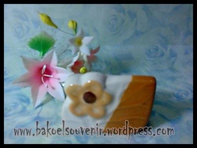 souvenir keramik-tempat kartu nama TKN-10 >> Rp. 6000,-