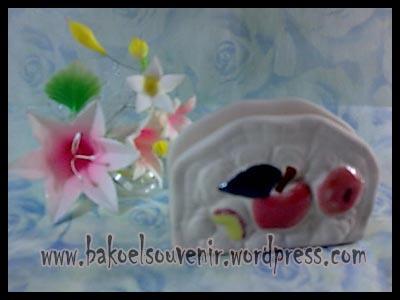 souvenir keramik-tempat kartu nama TKN-3 >> Rp. 6250,-