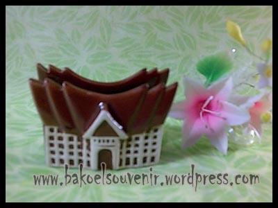 souvenir keramik-tempat kartu nama TKN-6 >> Rp.6800,-