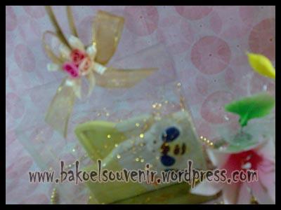 souvenir keramik-tempat kartu nama TKN-9 packing mika >> Rp. 6000,-