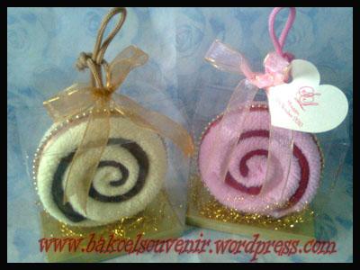 towel cake-Donut >> Rp. 6000,-/pcs