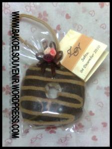 Towel cake donut coklat >> Rp.3500,-/pcs