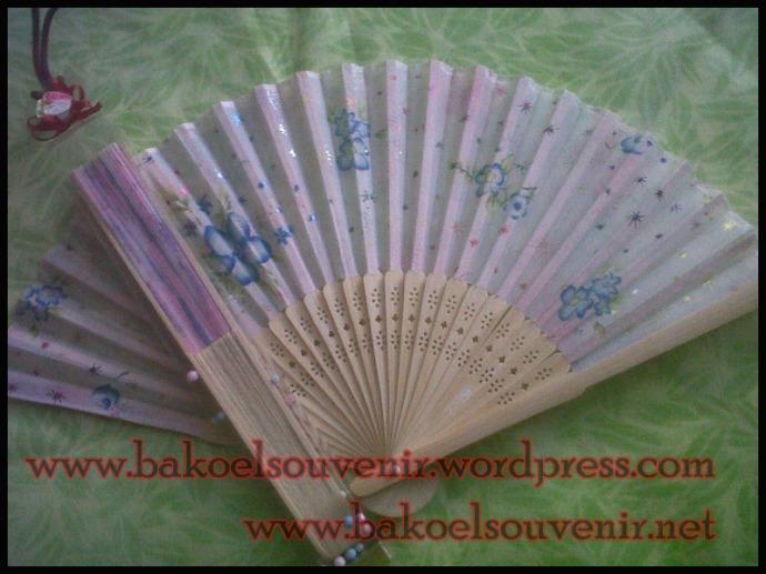 Souvenir Pernikahan kipas jepang || Rp.4500.-/pcs