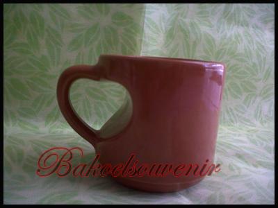 souvenir keramik gelas Love | Rp.12.000,-/pcs