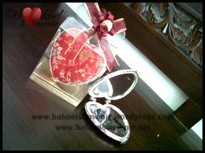 Souvenir Pernikahan >> Cermin China