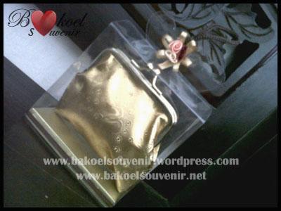 Dompet Holo China Emas >> Rp. 5750,-/pcs