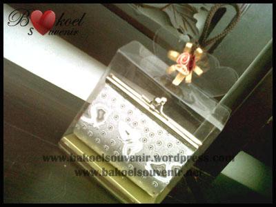 Dompet Holo Silver >> Rp. 6500,-/pcs