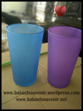 gelas 212n frost warna >> Rp. 7850,- per pcs