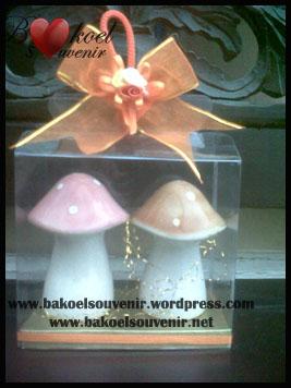 keramik lada garam jamur | Rp. 9500,- per pcs