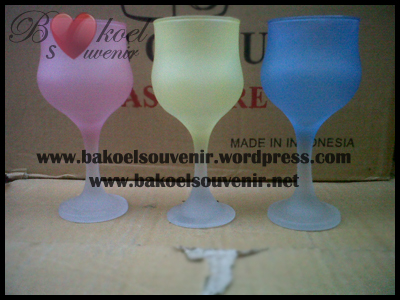 Gelas Wine STH-7TU >> Rp. 8000,- per pcs