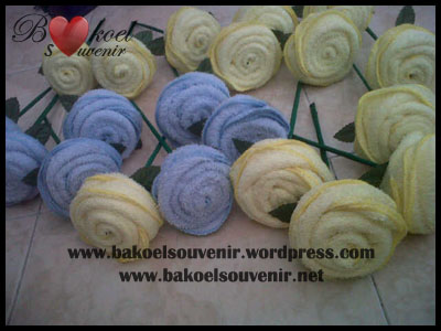 souvenir towel mawar